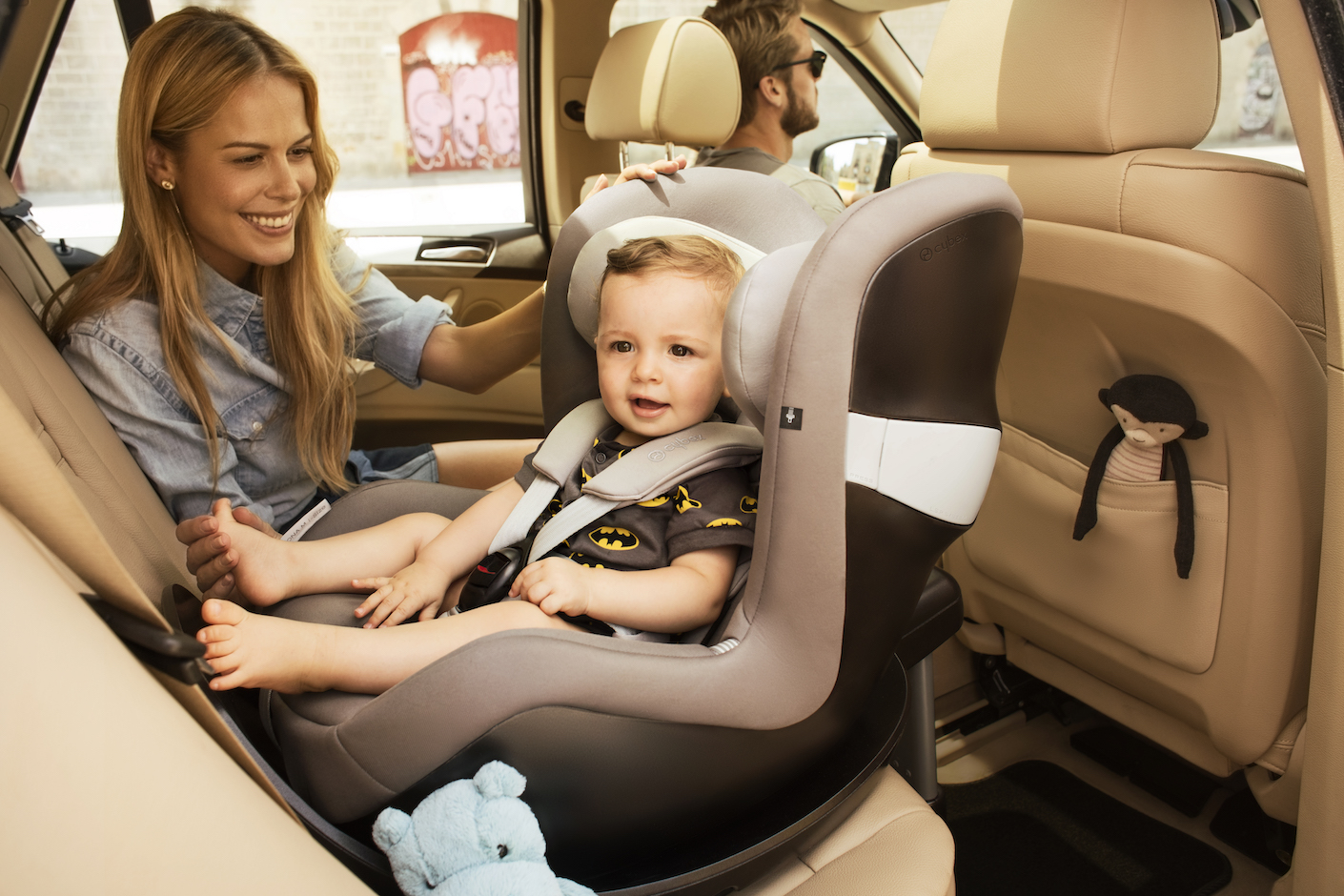 CYBEX Sirona M i-Size_with child