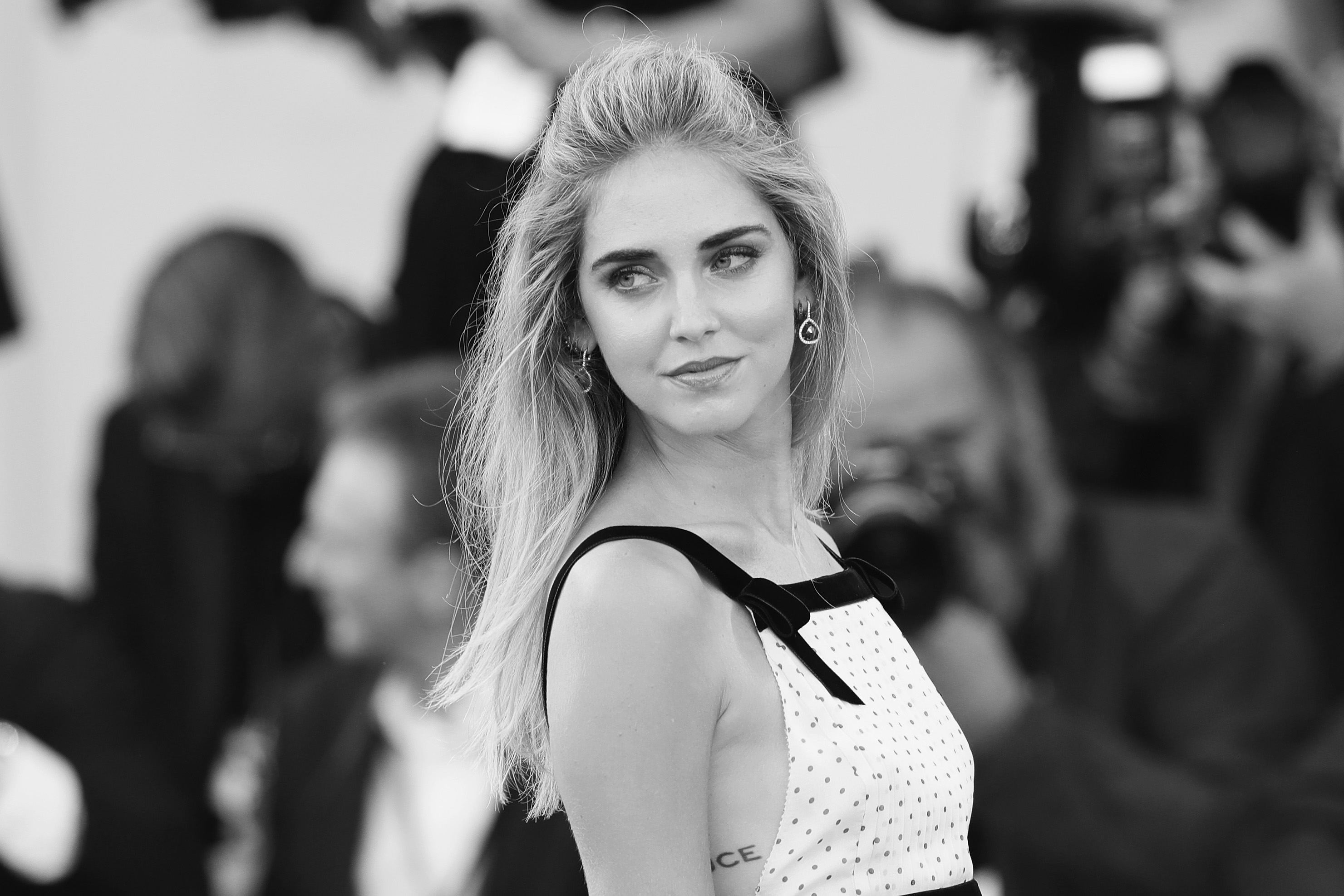 VENICE, ITALY - SEPTEMBER 03: (EDITORS NOTE: This image has been converted in black and white) Chiara Ferragni attends the premiere of 'The Young Pope' during the 73rd Venice Film Festival at on September 3, 2016 in Venice, Italy.  (Photo by Vittorio Zunino Celotto/Getty Images)