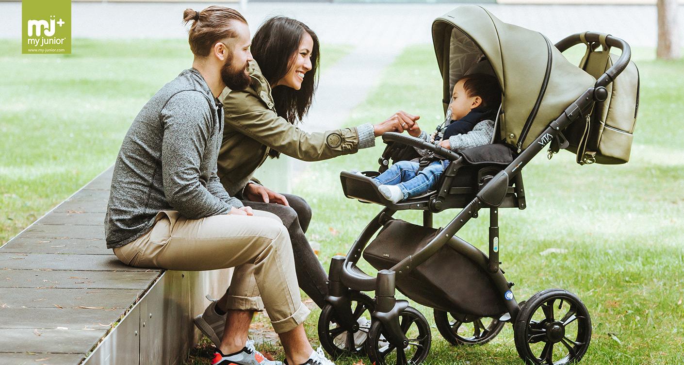 Familie Kinderwagen Bank