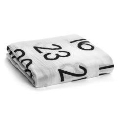 modern burlap Mulltuch Zahlen letters print Baby Geschenk Geburt