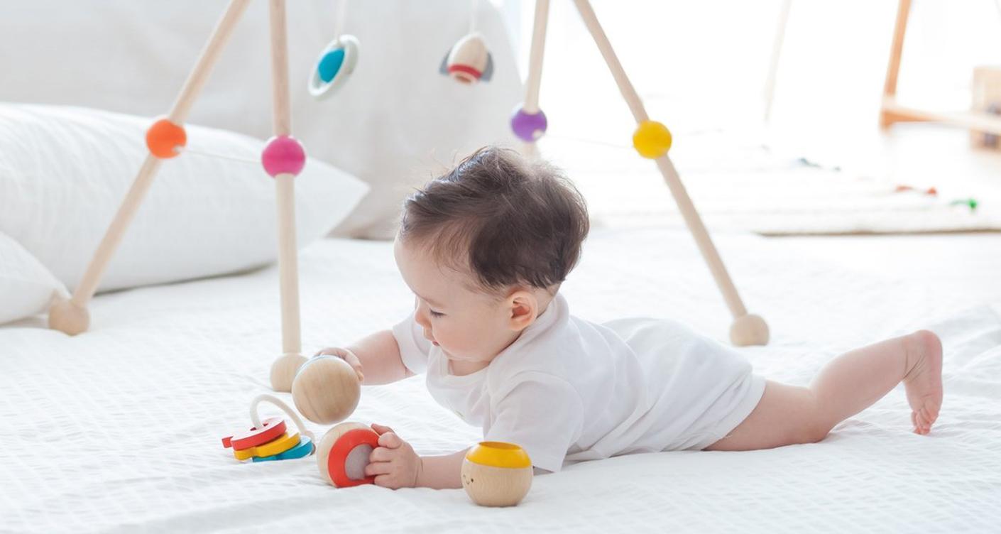 plantoys-babys-liebstes-spielzeug