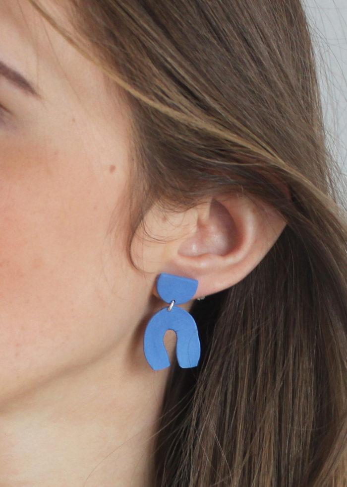 Skelini Ohrringe aus blauem Porzellan
