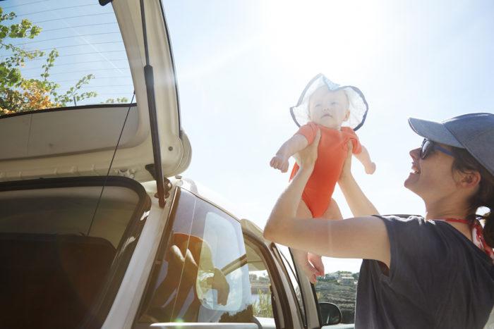 Reisen mit Baby im Auto