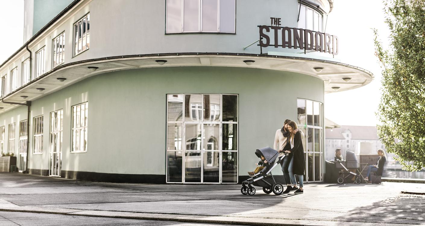 kinderwagen f r die stadt mit dem thule sleek stilvoll unterwegs. Black Bedroom Furniture Sets. Home Design Ideas