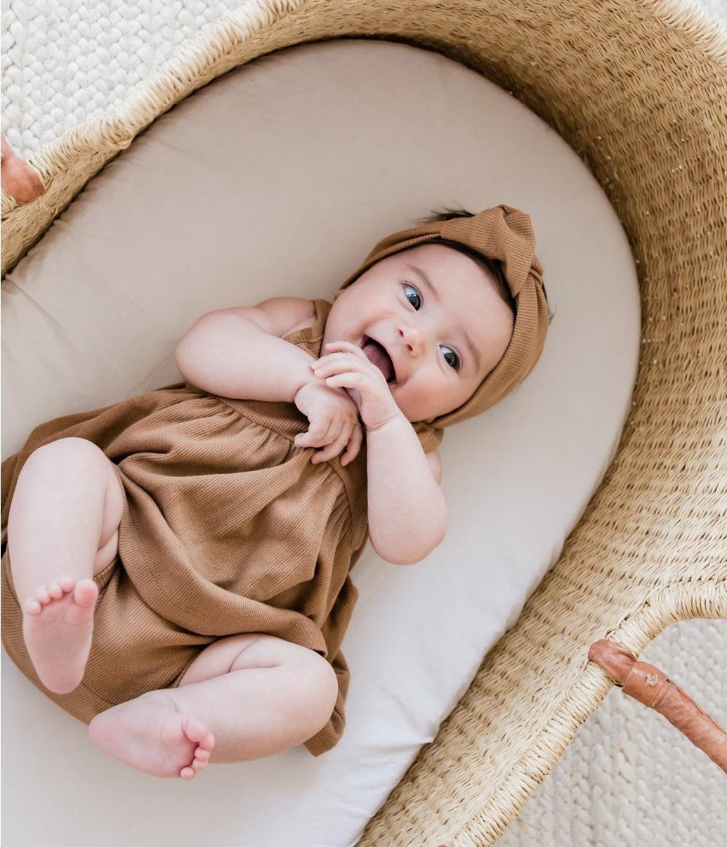 Baby Quincy Mae im Bettchen